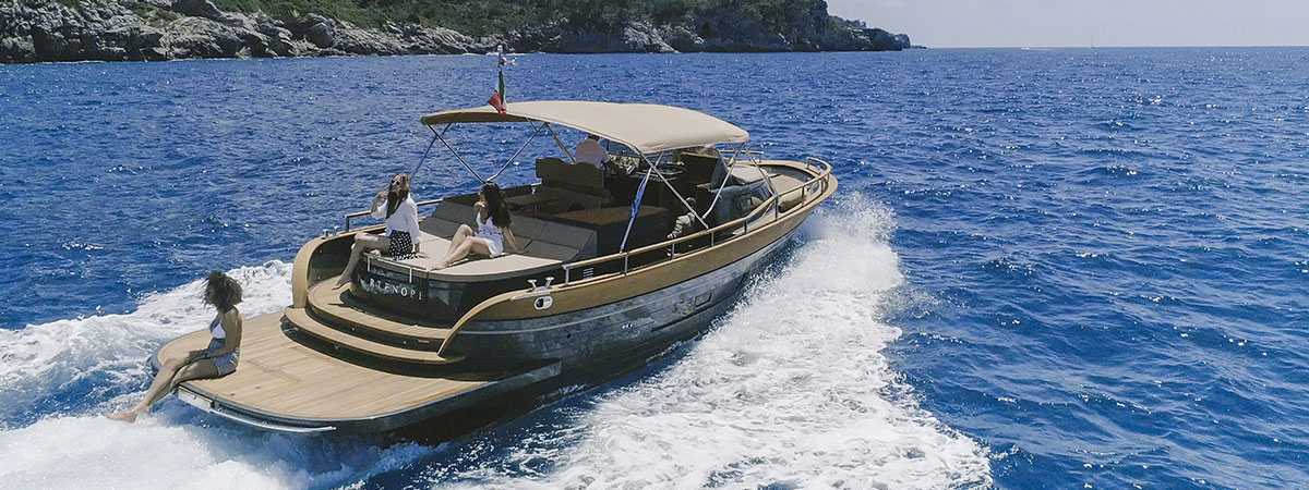 sorrento rental yacht